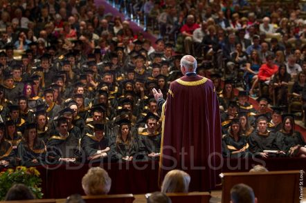 Photo of Peter Mansbridge addresses the Mount Allison Graduating class at Convocation Hall, Sackville, New Brunswick.